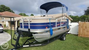 Used Sun Tracker PARTY BARGE 18DLX Pontoon Boat For Sale
