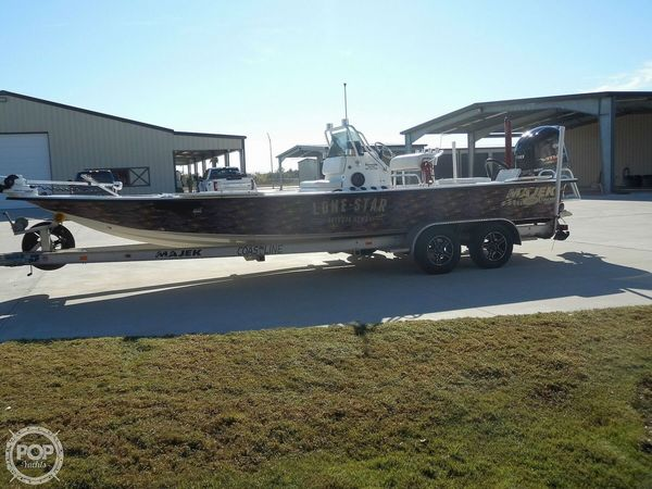 Used Majek 25 Xtreme Bay Boat For Sale