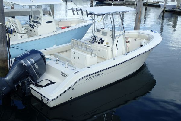 Used Cobia 237237 Bay Boat For Sale