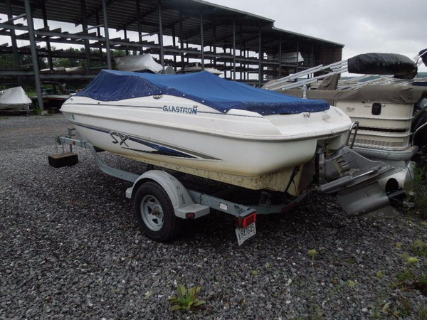 Used Glastron SX175 Bowrider Boat For Sale
