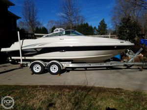 Used Sea Ray 220 SD Deck Boat For Sale