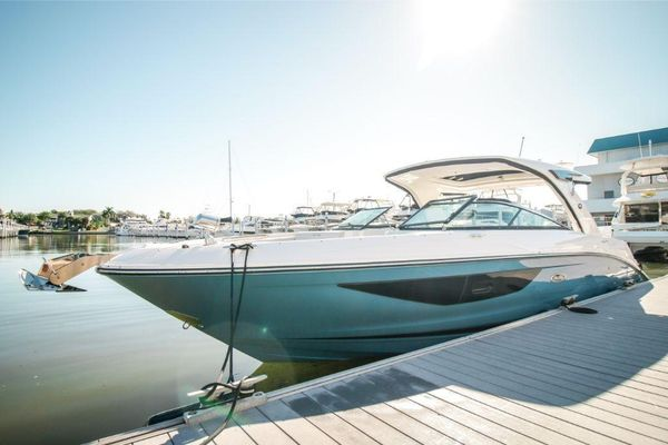 New Sea Ray SLX 350 Outboard Other Boat For Sale