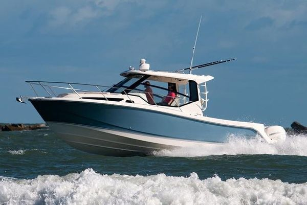 New Boston Whaler 325 Conquest325 Conquest Walkaround Fishing Boat For Sale