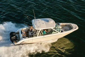 New Boston Whaler 320 Vantage320 Vantage Dual Console Boat For Sale
