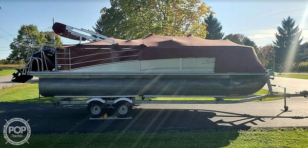 Used Berkshire STS 230 CL Pontoon Boat For Sale