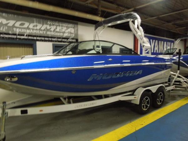 New Moomba Mondo Bowrider Boat For Sale