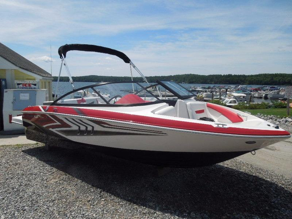 New Regal 1900ES Bowrider Boat For Sale