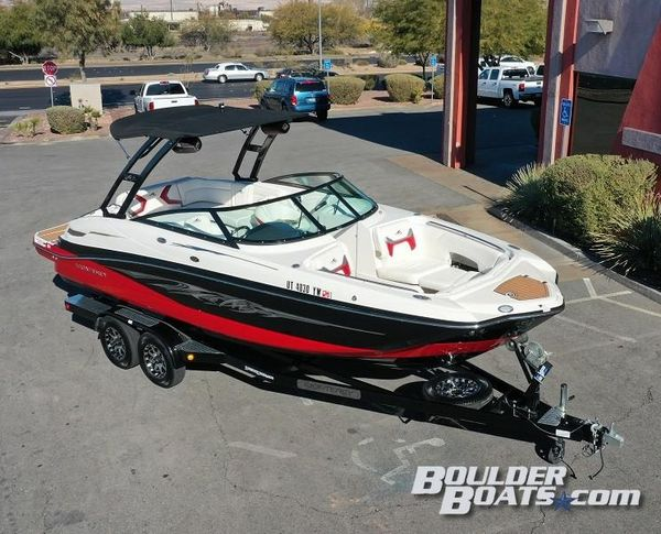 Used Monterey M5M5 Bowrider Boat For Sale
