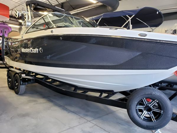 New Mastercraft X26X26 Ski and Wakeboard Boat For Sale