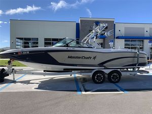 Used Mastercraft X26X26 Ski and Wakeboard Boat For Sale