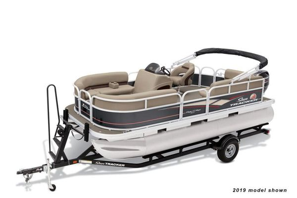 New Sun Tracker Party Barge 18 DLXParty Barge 18 DLX Pontoon Boat For Sale