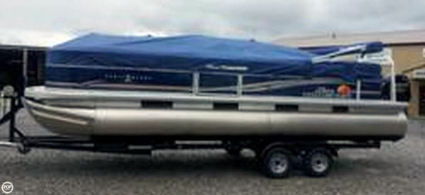Used Sun Tracker Party Barge 24 DLX Pontoon Boat For Sale