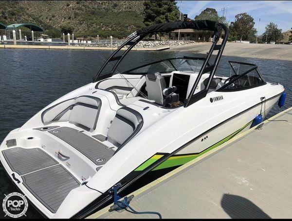 Used Yamaha AR240 Ski and Wakeboard Boat For Sale