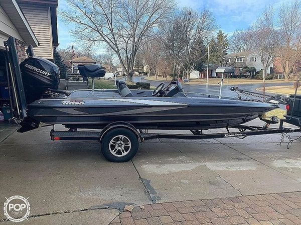 Used Triton 18XS Bass Boat For Sale