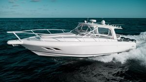 Used Intrepid 390 Sport Yacht Sports Fishing Boat For Sale