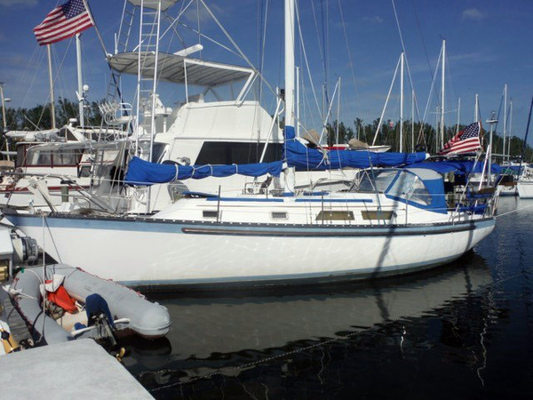 Used Hunter Cherubini Cutter Cruiser Sailboat For Sale