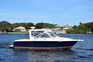 Used Tiara 2900 Coronet with Hardtop Express Cruiser Boat For Sale