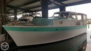 Used Hunter 39 Pleasure Cruiser Sedan Antique and Classic Boat For Sale