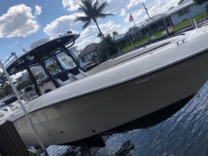 Used Hydra Sports 3000 CC Center Console Fishing Boat For Sale