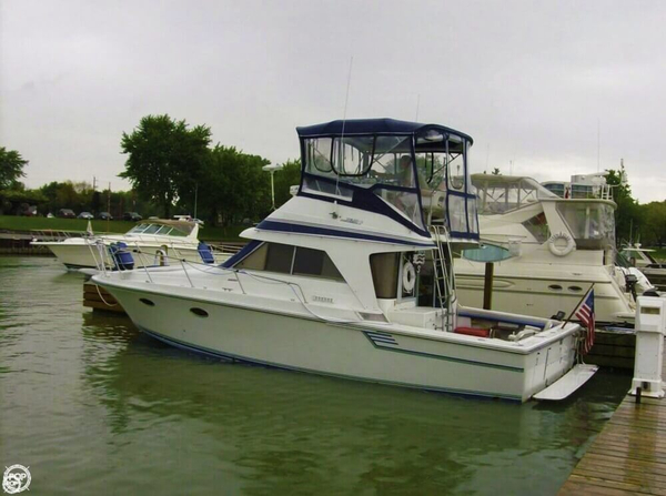 Used Trojan International 10.8 Meter Express Cruiser Boat For Sale