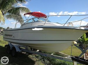Used Trophy Pro 2352 WA Walkaround Fishing Boat For Sale