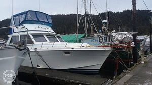 Used Uniflite 42 Express Cruiser Boat For Sale