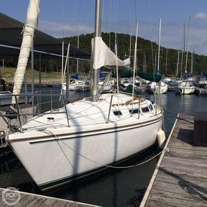Used Catalina C-30 Racer and Cruiser Sailboat For Sale