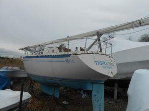 Used Islander 32-2 Daysailer Sailboat For Sale