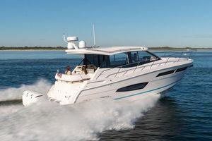 New Regal 38 XO Motor Yacht For Sale