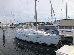Used Beneteau Oceanis 381 Sloop Sailboat For Sale