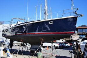 Used Marlow-Hunter 40 Cruiser Sailboat For Sale