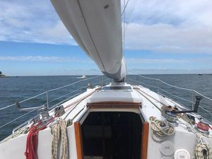 Used Hinterhoeller Nonsuch 33 Racer and Cruiser Sailboat For Sale