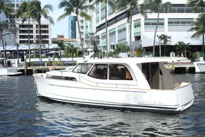 New Greenline 33 Trawler Boat For Sale