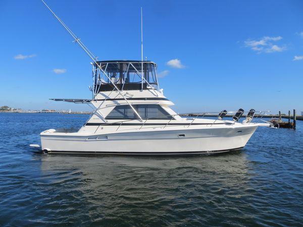 Used Riviera 39 Flybridge Boat For Sale