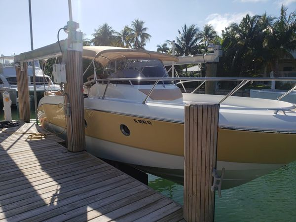 Used Sessa Marine Key Largo 28 Bowrider Boat For Sale