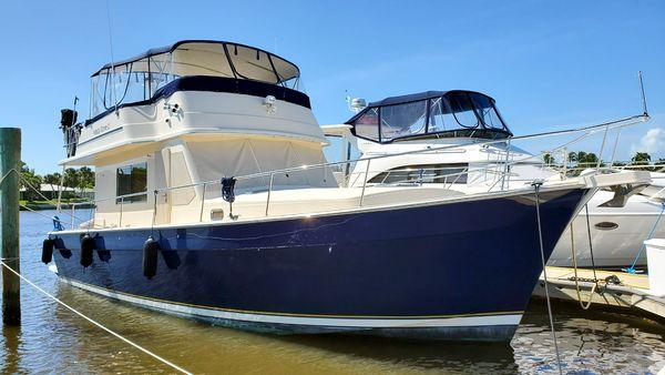 Used Mainship 430 Sedan Trawler Boat For Sale
