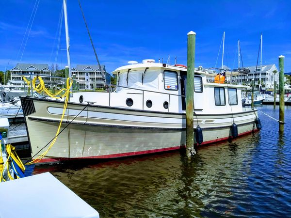 """Used Nordic Tugs """"37"""" Pilothouse Trawler Boat For Sale"""