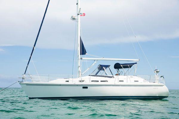 Used Catalina Morgan 38 CC Cruiser Sailboat For Sale