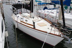 Used Tartan 372 Cruiser Sailboat For Sale
