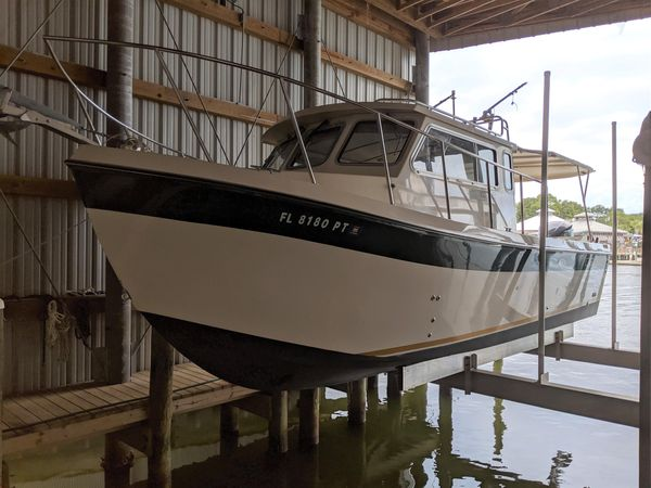 Used Osprey 26 Long Cabin Cruiser Boat For Sale