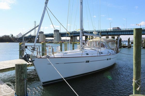 Used Beneteau 411 Oceanis Double Cabin Racer and Cruiser Sailboat For Sale