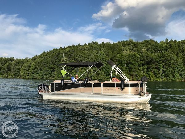 Used Berkshire 250CLO Pontoon Boat For Sale