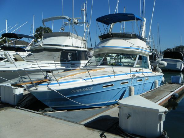 Used Sea Ray 300 Sportbridge Saltwater Fishing Boat For Sale