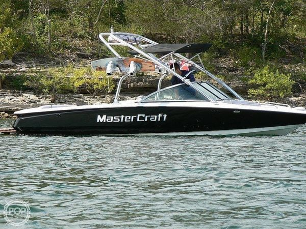 Used Mastercraft X-9 Ski and Wakeboard Boat For Sale