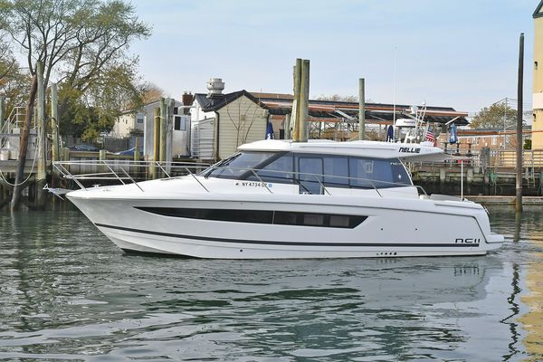 Used Jeanneau NC11 Express Cruiser Boat For Sale