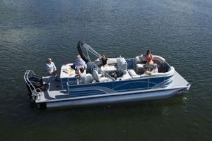 Used Sylvan Mirage 8522 Entertainer Pontoon Boat For Sale