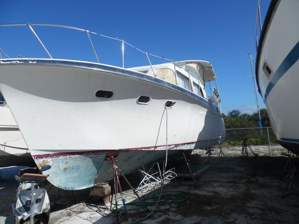 Used Hatteras 41 Double Cabin Aft Cabin Boat For Sale