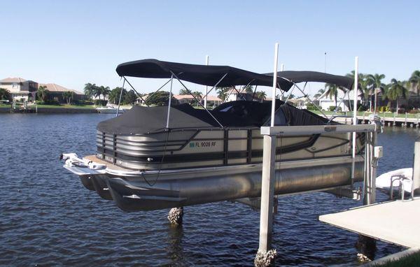 Used Crest Continental 250 SLR Pontoon Boat For Sale