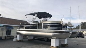 New Sunchaser Geneva 24 CC Pontoon Boat For Sale