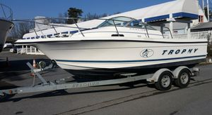Used Bayliner 2052 Trophy Walkaround Sports Fishing Boat For Sale